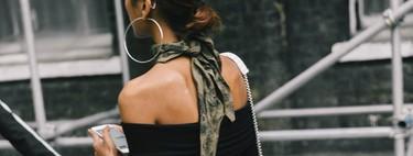Cómo se llevan los pañuelos al cuello: cinco maneras para sacar el mayor partido a este accesorio tan clásico (y actual)