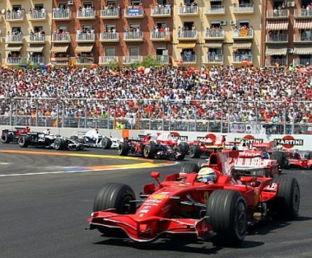 Felipe Massa, primer vencedor en el Valencia Street Circuit