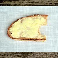 De sustituto barato de la mantequilla a alternativa supuestamente saludable: la ciencia detrás de la margarina