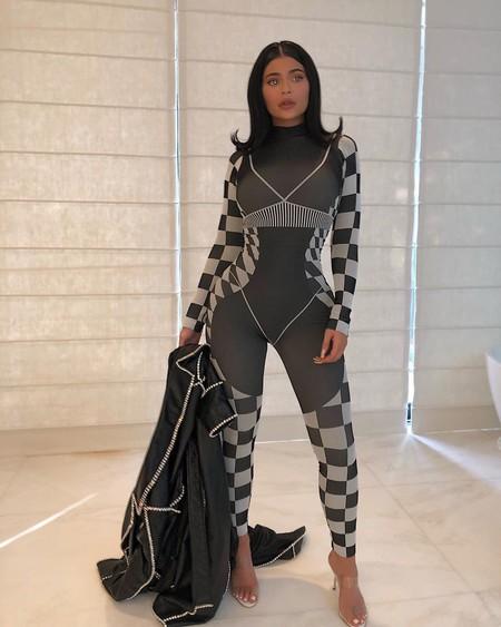 Kylie Jenner Asos Look 01