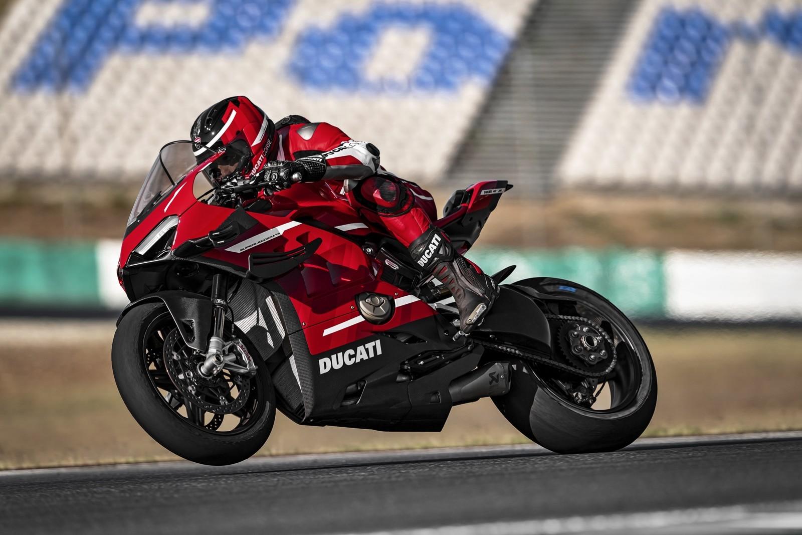 Foto de Ducati Panigale Superleggera V4 2020 (5/61)