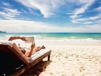 15 Imprescindibles de lujo que no pueden faltar este verano en tu maleta