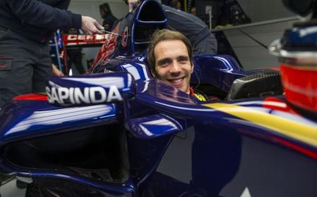 Jean-Eric Vergne podría seguir en Toro Rosso en 2015