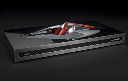 """McLaren ameniza la espera a los futuros propietarios del brutal BP23... con esta escultura  """"Speed Form"""""""