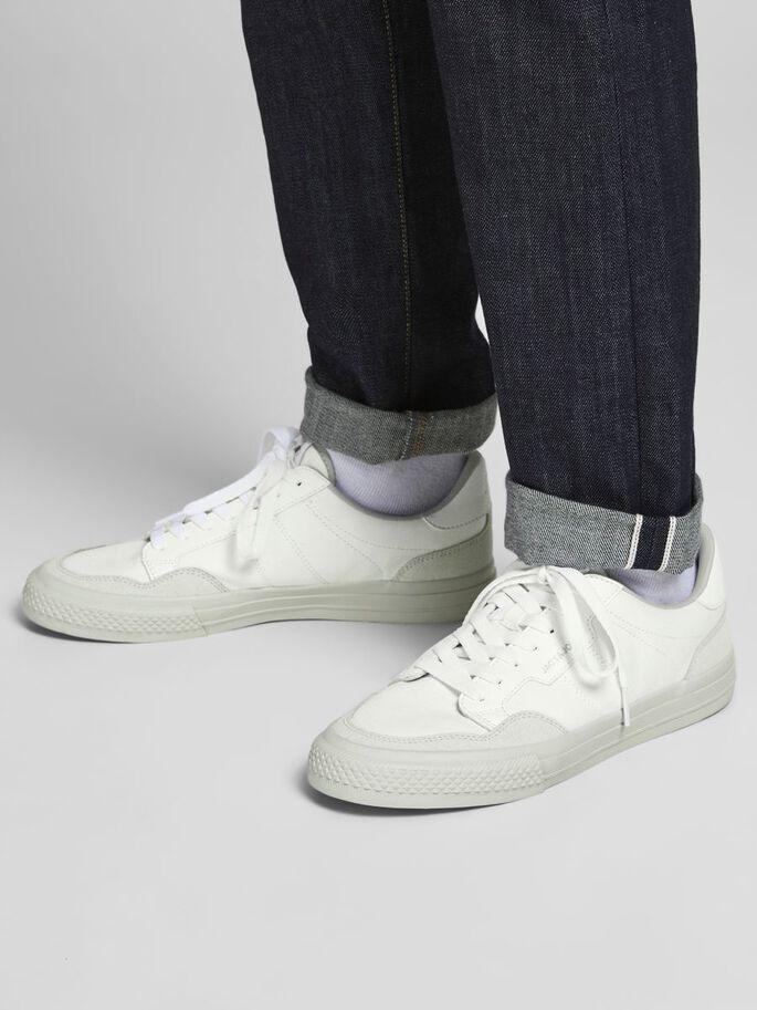 Zapatillas de piel blancas