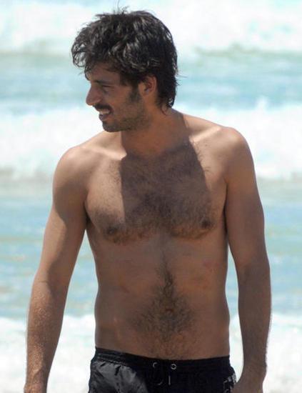 Hugo Silva en la playita