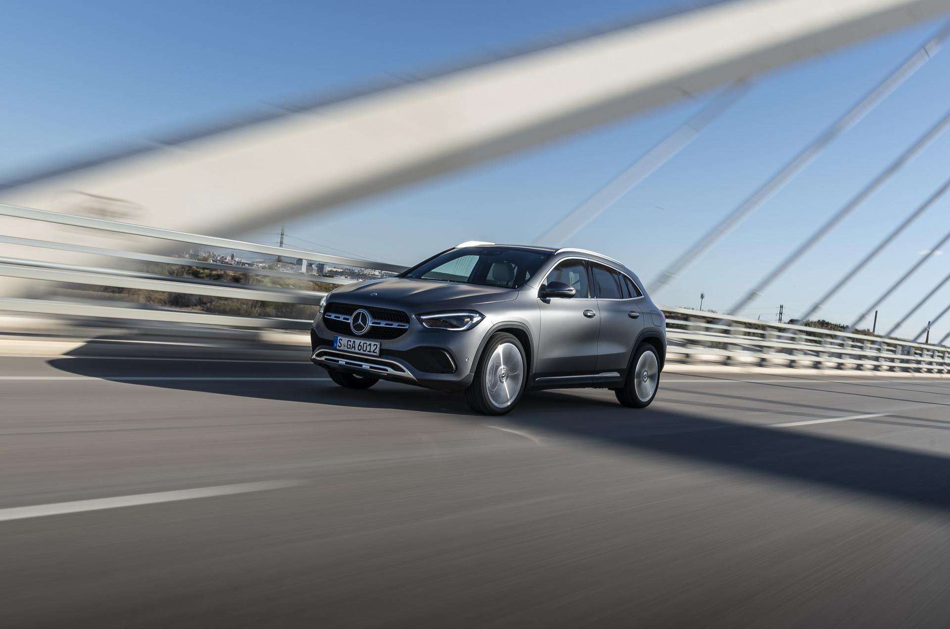 Foto de Mercedes-Benz GLA 2021 (19/103)