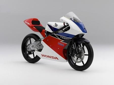 Honda ofrece su Honda NSF250R para el CEV 2015