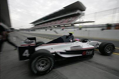 Romain Grosjean vence la primera carrera de las GP2 Asia Series