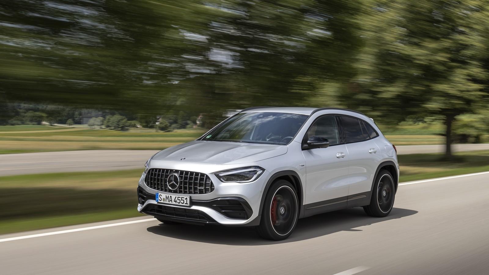 Foto de Mercedes-AMG GLA 45 S 2020 (21/28)
