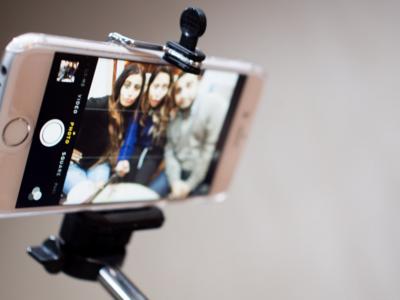 Apple quiere que la WWDC 2015 sea el epicentro del cambio, pero no el de los palos para selfies