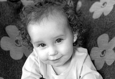 El extraño caso de la niña que sólo ve en blanco y negro