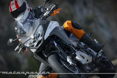 Honda VFR800X Crossrunner, prueba (valoración, vídeo, galería y ficha técnica)