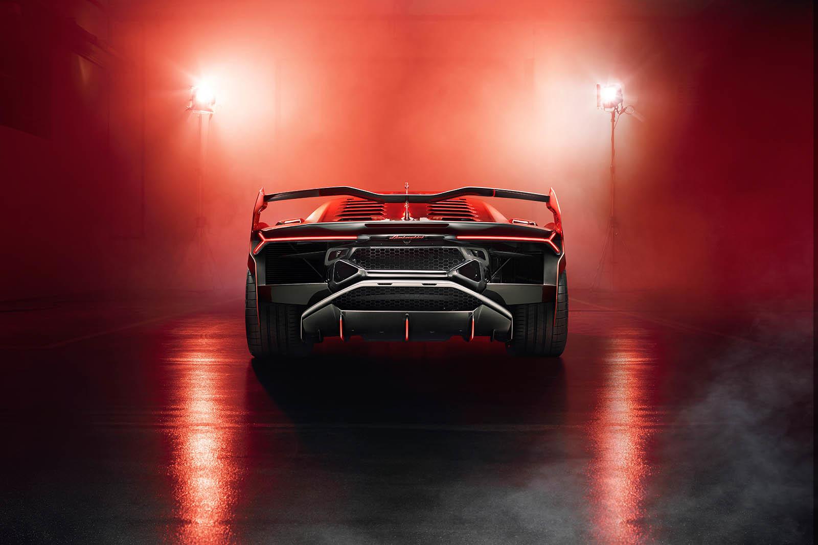 Foto de Lamborghini SC18 Alston (13/15)