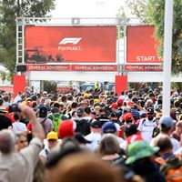 La noche más bochornosa de la Fórmula 1: el GP de Australia se cancela con los fans agolpados en la puerta