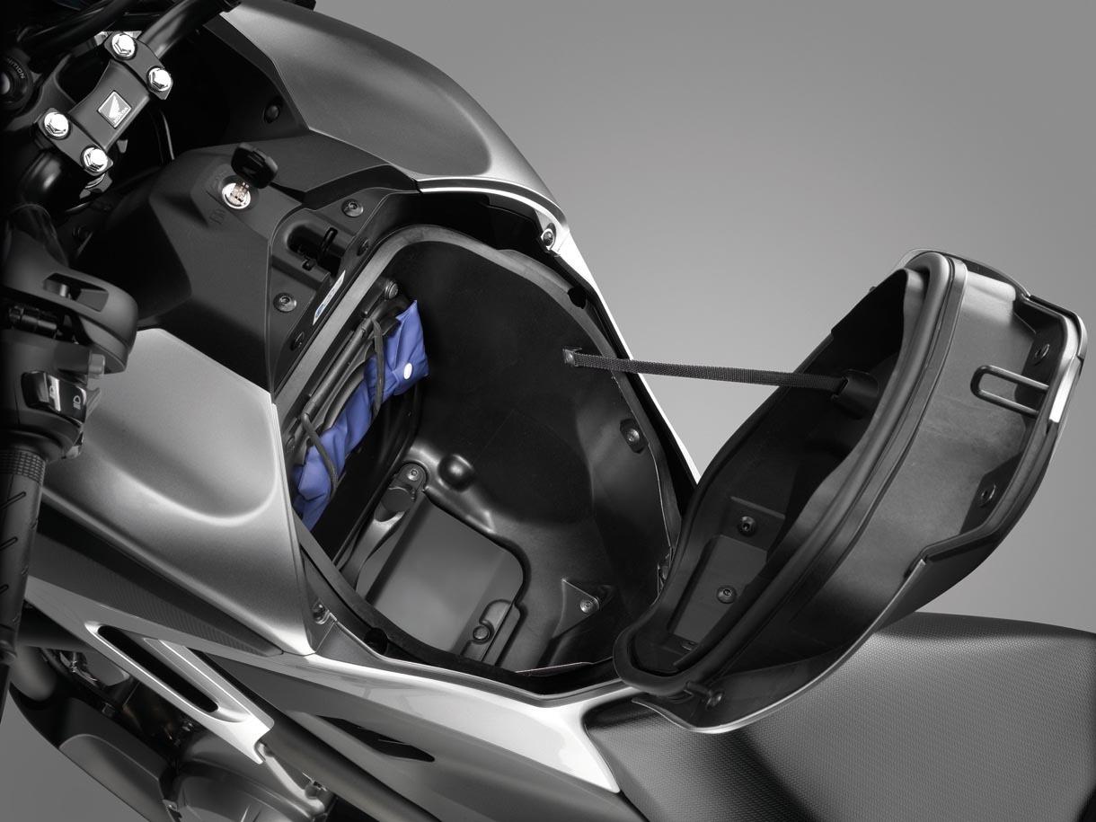 Foto de Honda NC700X, Crossover significa moto para todo (14/15)