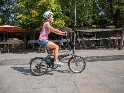 Soluciones de movilidad urbana saludable: Decathlon presenta sus novedades en bicicletas de trekking, bici eléctrica y patinetes