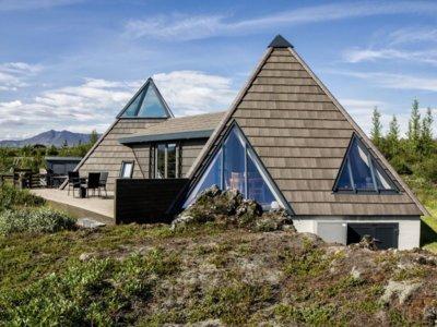 Casas diferentes: un cottage con forma de pirámide en Islandia