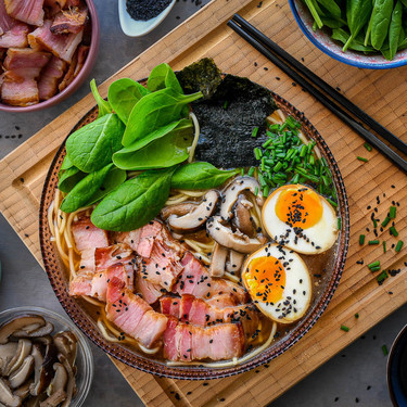 No necesitas salir de casa para comer el mejor ramen del mundo: esta receta es fácil y deliciosa