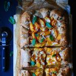 Galette de albaricoques al limón. Receta de temporada