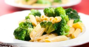 Receta de pasta con brócoli, anchoas y guindilla