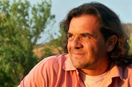 """""""La familia inteligente sabe tomar decisiones"""". Entrevista al psicólogo Antonio Ortuño"""