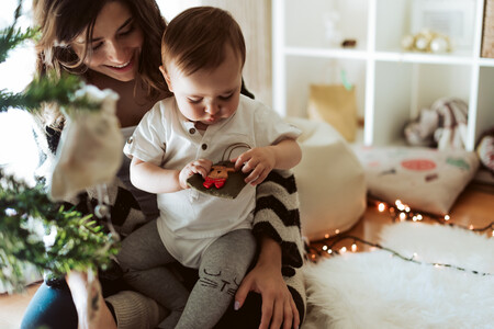 Navidad con bebé: ideas de arbolitos navideños que los niños pueden disfrutar sin peligros