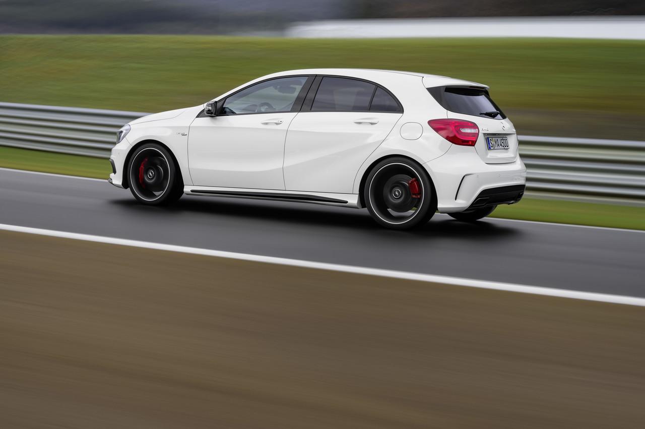 Foto de Mercedes-Benz A 45 AMG (22/24)