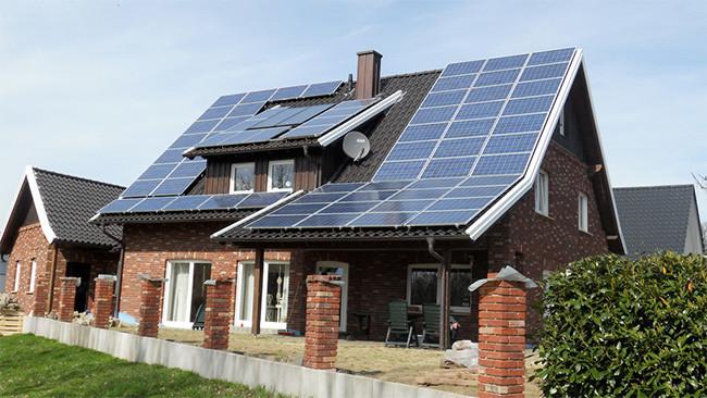 Los planes para el autoconsumo energético del gobierno son aún peores: estas son todas las trabas