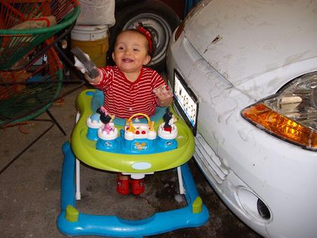 La foto de tu bebé en abril: Mariel, la esponja y el jabón
