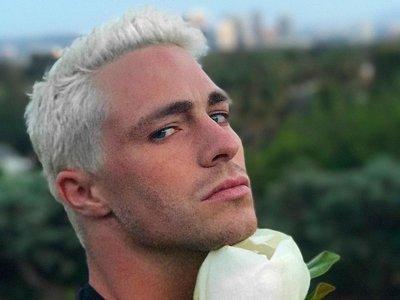 Colton Haynes lo confirma: estamos ante el revival del cabello platinado como tendencia