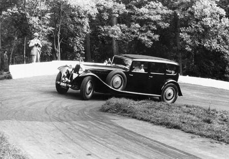 Bugatti Type 41 Limousine By Park Ward Colección Schlumpf