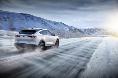 Ford Mustang Mach E 2020 10