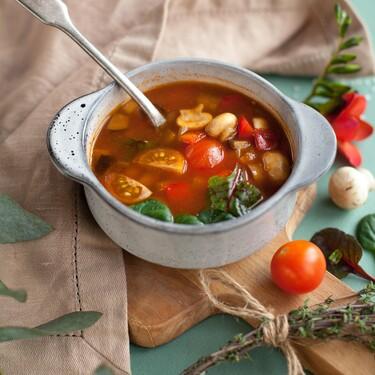 Once sopas y consomés que siempre apetece comer bien calentitos en invierno