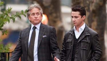 Los looks de Michael Douglas y Shia LaBeouf en 'Wall Street: El dinero nunca duerme'
