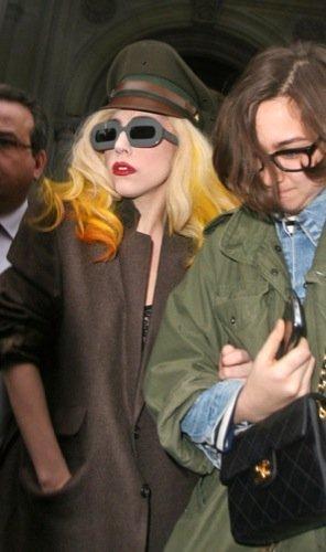 Las gafas de sol de las famosas para la Primavera-Verano 2010: Lady GaGa