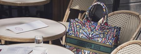 Dior Book Tote: el maxi bolso de Dior que arrasa entre celebrities e instagramers