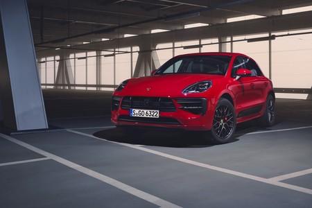 El Porsche Macan GTS se afila con un equipamiento más deportivo y ahora con 380 CV