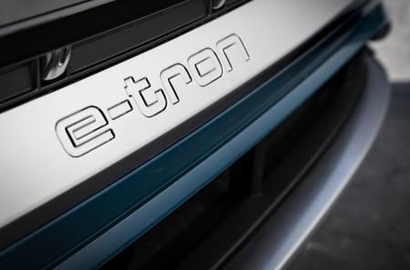 Audi E Tron Logo Puertas