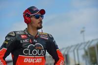Davide Giugliano podría estar de baja hasta tres meses