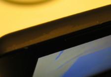 Macbook negro: ¿se va el color con las uñas?
