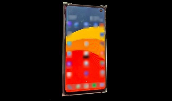 Samsung Galaxy S10: la primera foto real revela cómo lucirá con su agujero en la pantalla