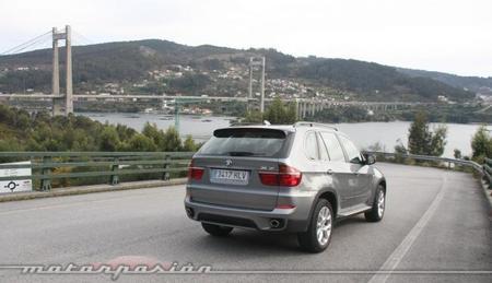 BMW X5 4.0d xDrive trasera