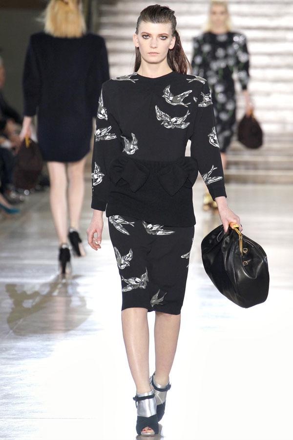 Miu Miu Otoño-Invierno 2011/2012 en la Semana de la Moda de París: Miuccia Prada al rescate