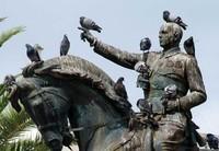 La ciudad en la que hay una estatua que ninguna paloma se atreve a llenar de excrementos