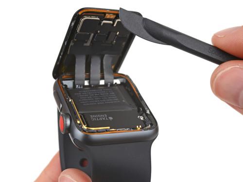 El Apple Watch Series 3 con LTE pasa por la consulta del Dr. iFixit y nos revela las claves del nuevo wearable