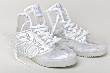 Zapatillas Adidas JS Wings... ¡Transparentes!