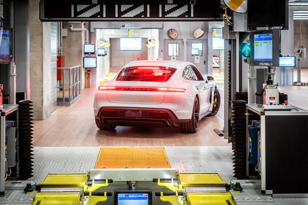Porsche Taycan Fabrica 8