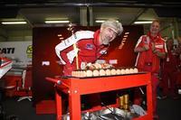 """Paolo Ciabatti lo tiene claro: """"La Ducati GP14 tendrá grandes mejoras en las segunda mitad del año"""""""