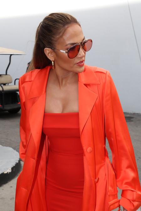 Jennifer López y su 'total look' naranja que sólo ella sabe lucir así de bien